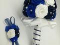 Mcs46.sz Menyasszonyi csokor Szatén rózsából, kék-fehér színű, 15 cm átmérőjű Ára 9000 Ft