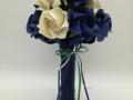 Mcs.42.sz Menyasszonyi csokor kék-fehér fényes papírból.Ára: 9000 Ft