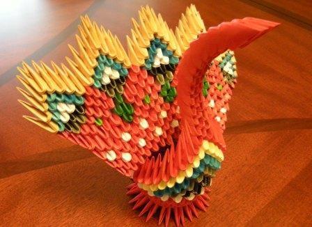 Fig24: 3D origami Páva