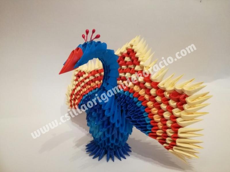 Fig41: 3D origami Páva