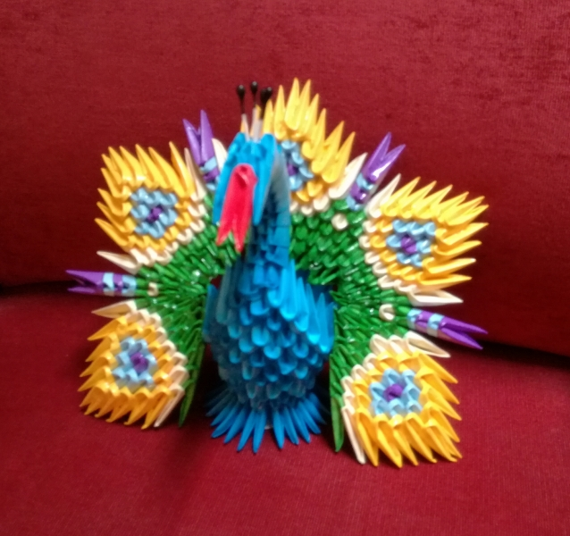 Fig65: 3D origami Páva