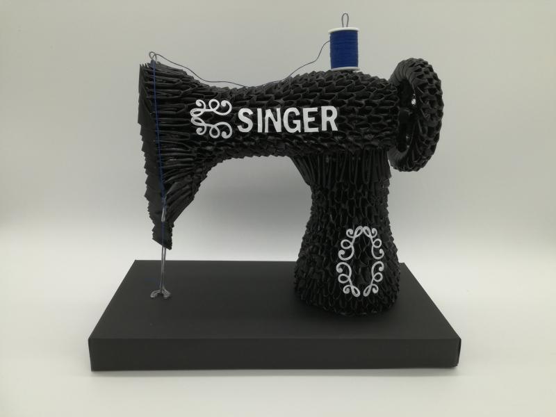 Fig85:3d origami Singer varrógép