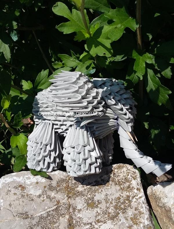 A23. 3D origami elefánt 10 cm magas
