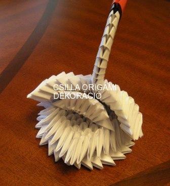 H14.Fehér origami hattyú vendégajándéknak