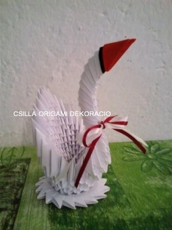 H7.Fehér origami hattyú vendégajándéknak