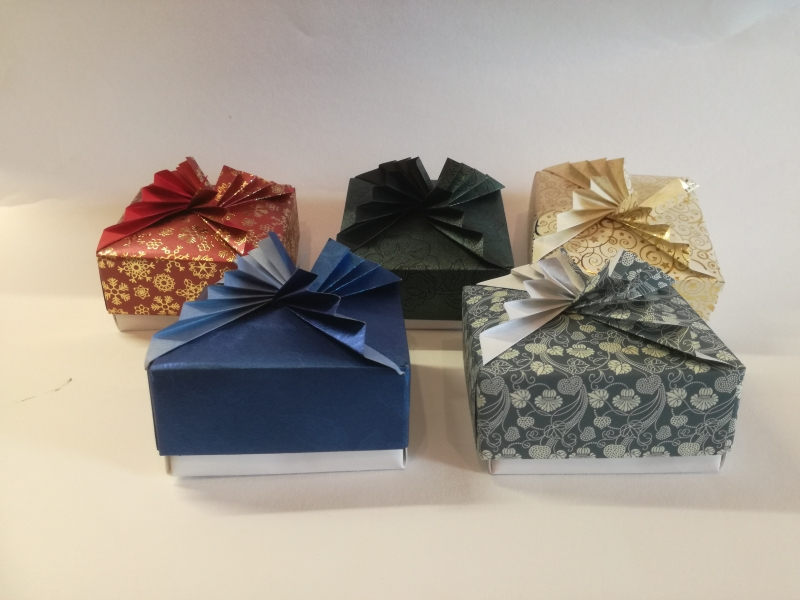 K33.sz. Ajándék doboz
