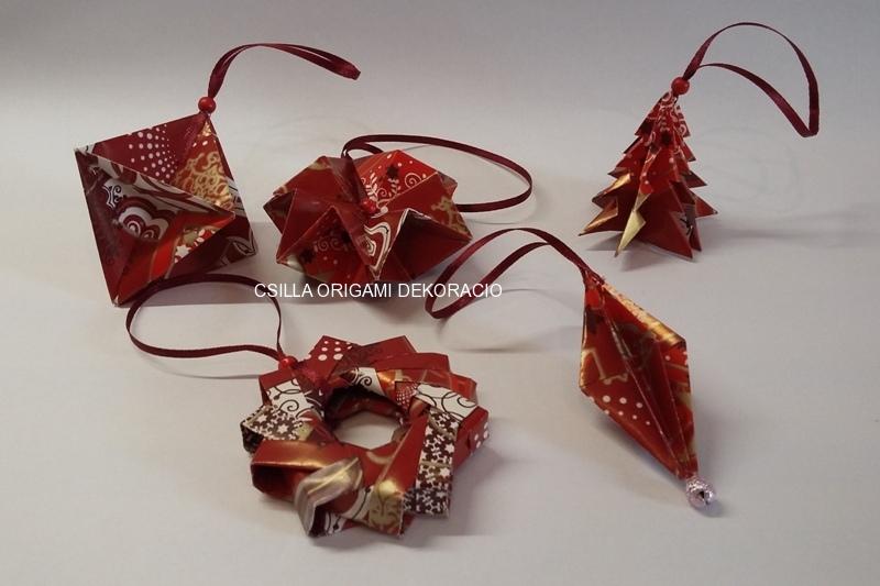 Kd5.sz. Piros színű karácsonyfadíszek