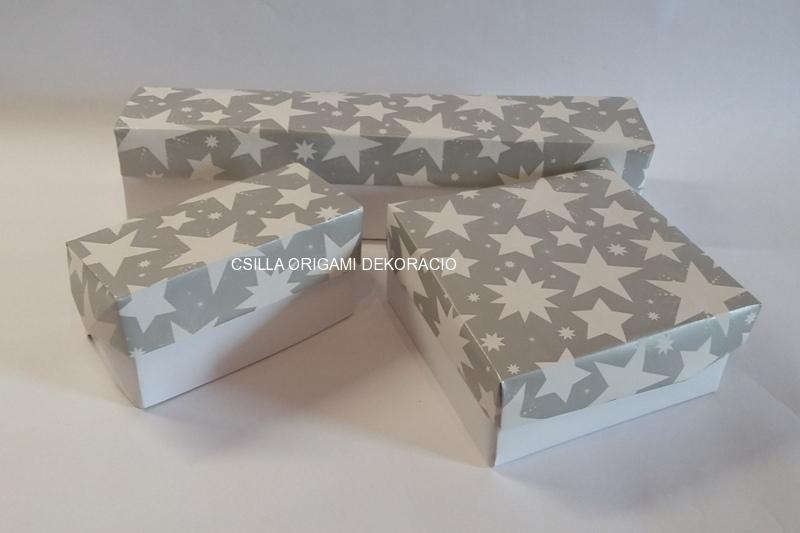 Kd2.sz. Ezüst-fehér színű karácsonyfadíszek dobozai