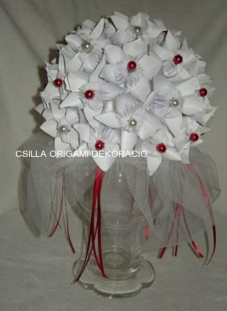 Mcs3.sz.Fehér origami csokor