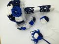 Mcs45.sz Menyasszonyi csokor Szatén rózsából, kék-fehér színű, 15 cm átmérőjű Ára 9000 Ft