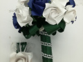 Mcs.41.sz Menyasszonyi csokor kék-fehér fényes papírból.Ára: 9000 Ft