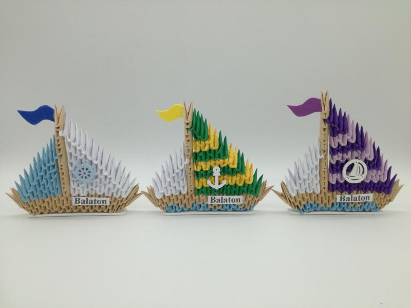 Ny.17. 3d origami Vitorlás álló  kétoldalas dísz